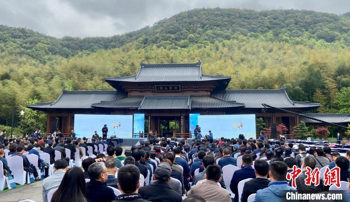 第37届兰亭书法节开幕 中国书法艺术最高奖揭晓
